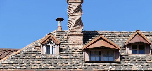 Fantazyjny komin wykonany z cegły ceramicznej